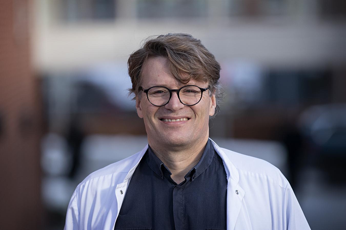 Dr. Claus Gravholt